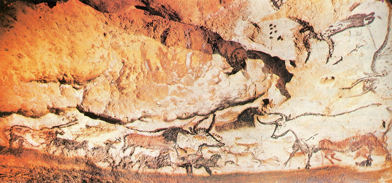 the cave of lascaux Lascaux iv information regarding lascaux 4, tickets, opening times, and lots more lascaux iv is the stunning new replica of the infamous lascaux cave.